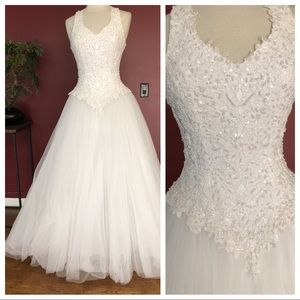 Oleg Cassini Wedding Dress Ballgown (fits size 6)